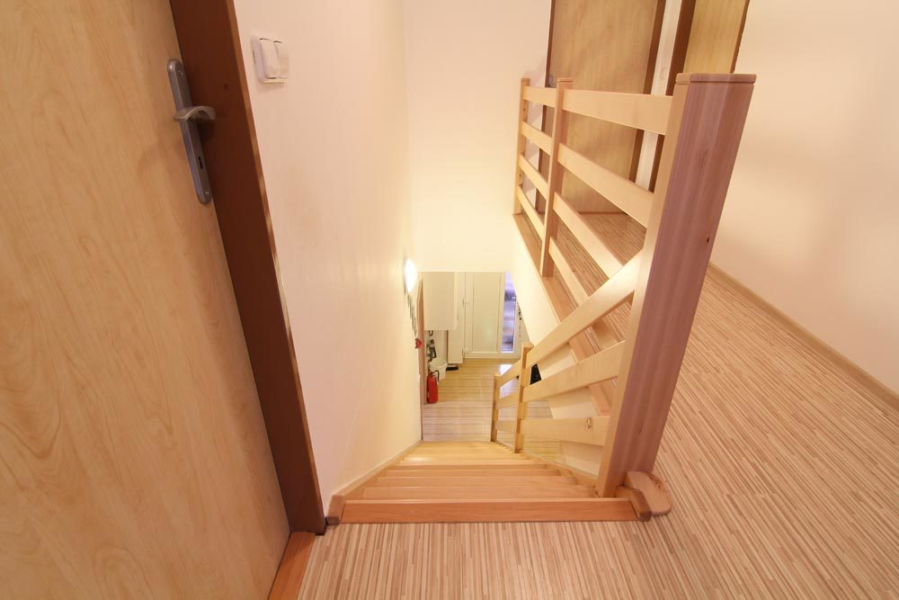 Bukové schodiště