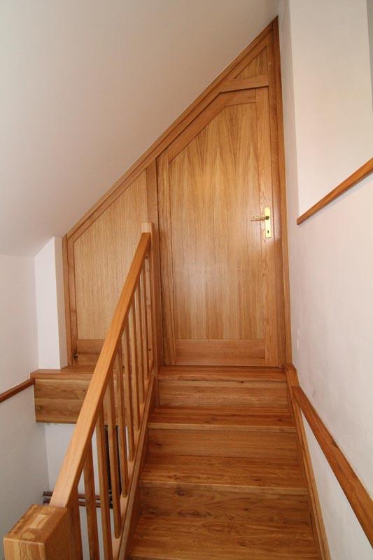 Dubové točené schodiště