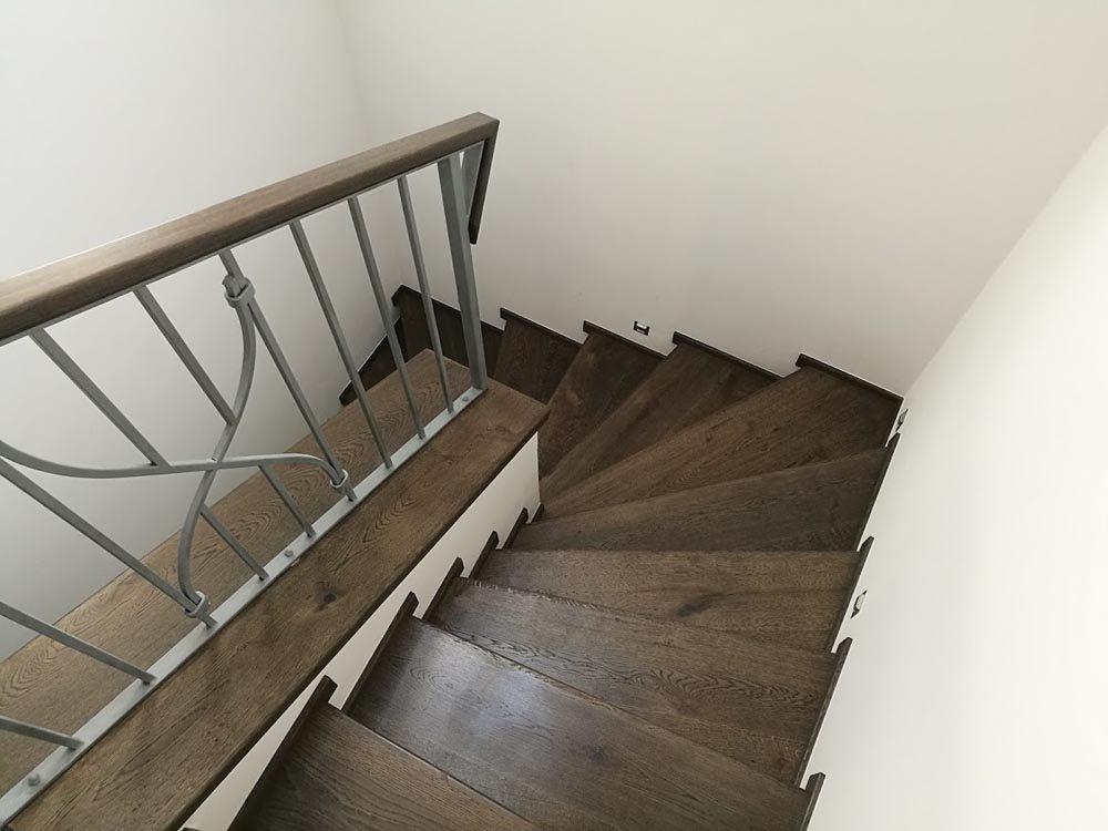 Dubové schodiště